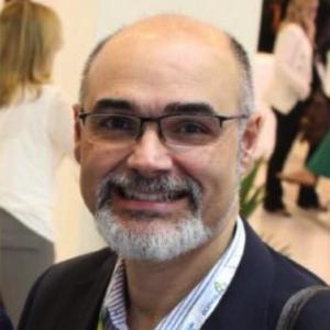 Dr. Fabio Carvalho